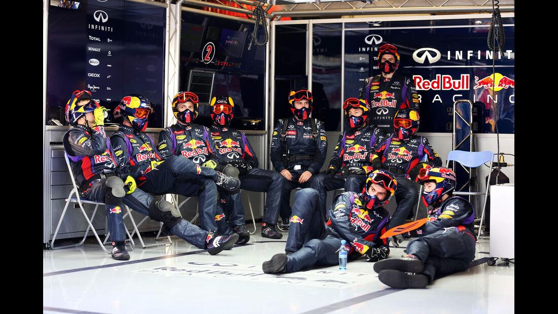 Mechaniker-Team, Red Bull, Formel 1-Test, Barcelona, 20. Februar 2013