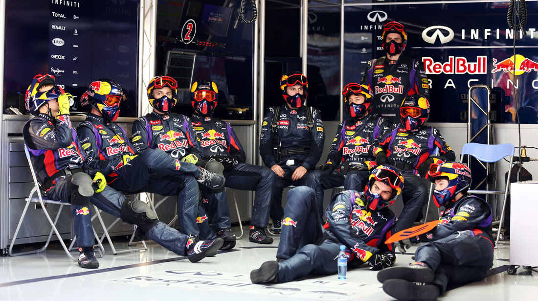 Mechaniker-Team, Red Bull, Formel 1-Test, Barcelona, 20. Februar 2013