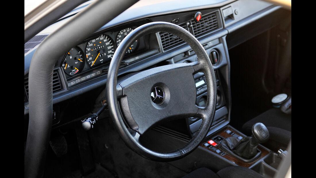 Mercedes 190 E 2.3-16, Cockpit, Lenkrad