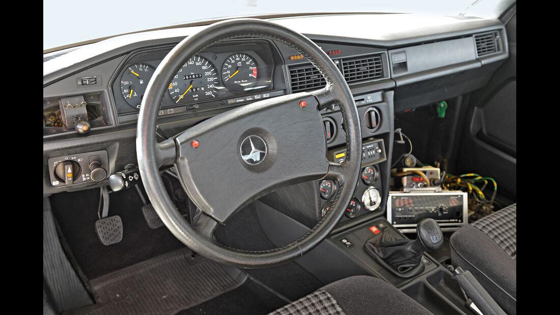 Mercedes 190 E 2.3-16, Nardo, Cockpit