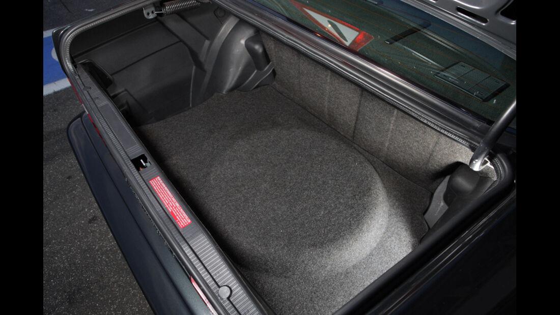 Mercedes 190 E 2.5-16 EVO II, Detail, Kofferraum