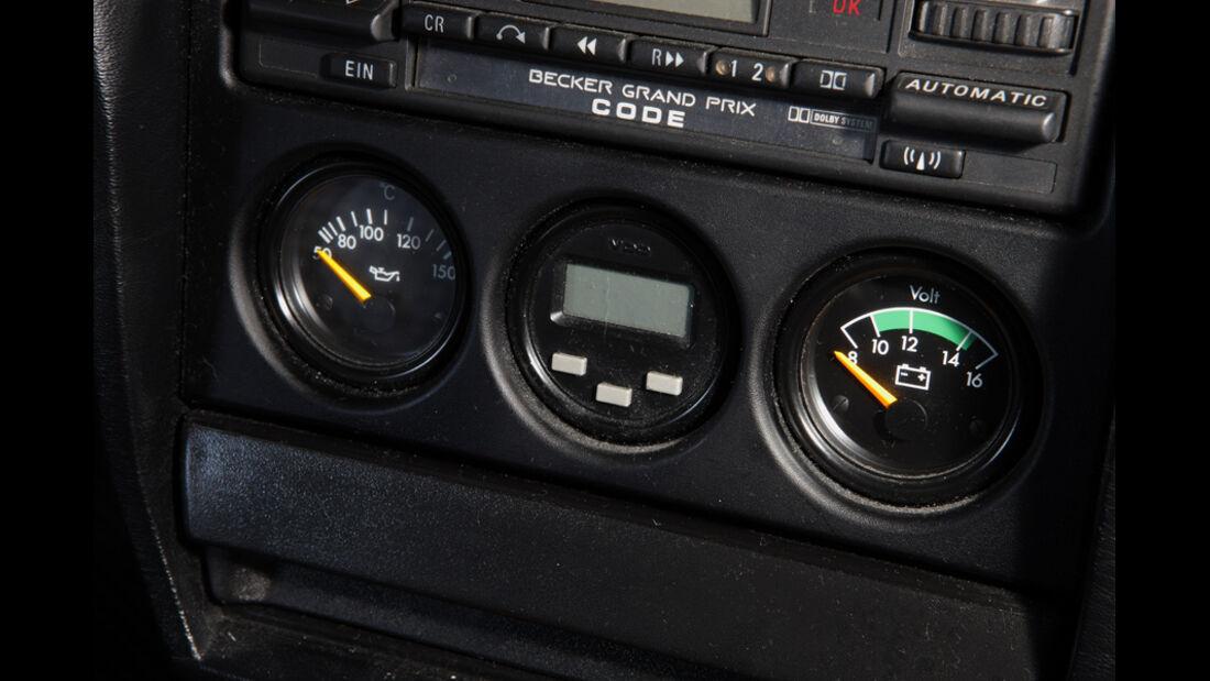 Mercedes 190 E 2.5-16 EVO II, Detail, Mittelkonsole