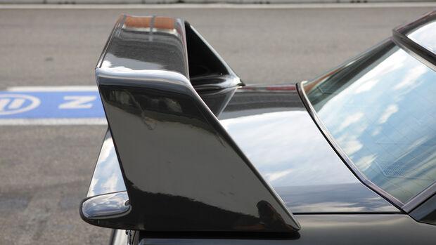 Mercedes 190 E 2.5-16 EVO II, Heckflügel