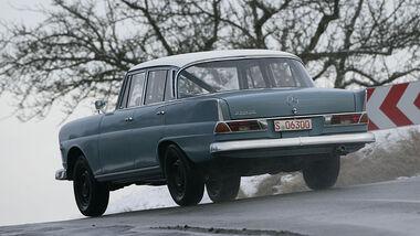 Mercedes 220 CE