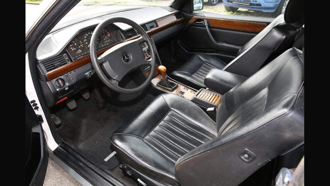 Mercedes 230 CE, Cockpit