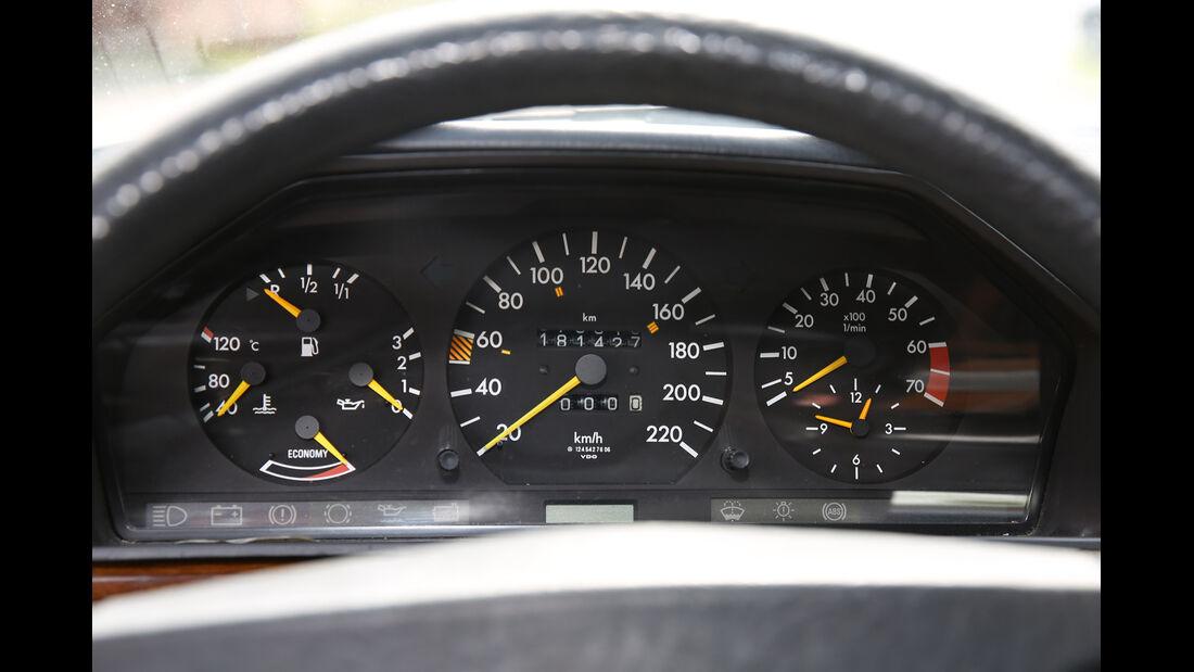 Mercedes 230 CE, Rundinstrumente