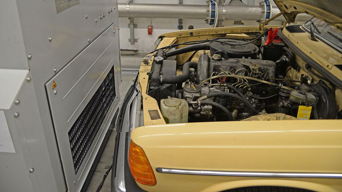 Mercedes 240D_W123_Abgastest
