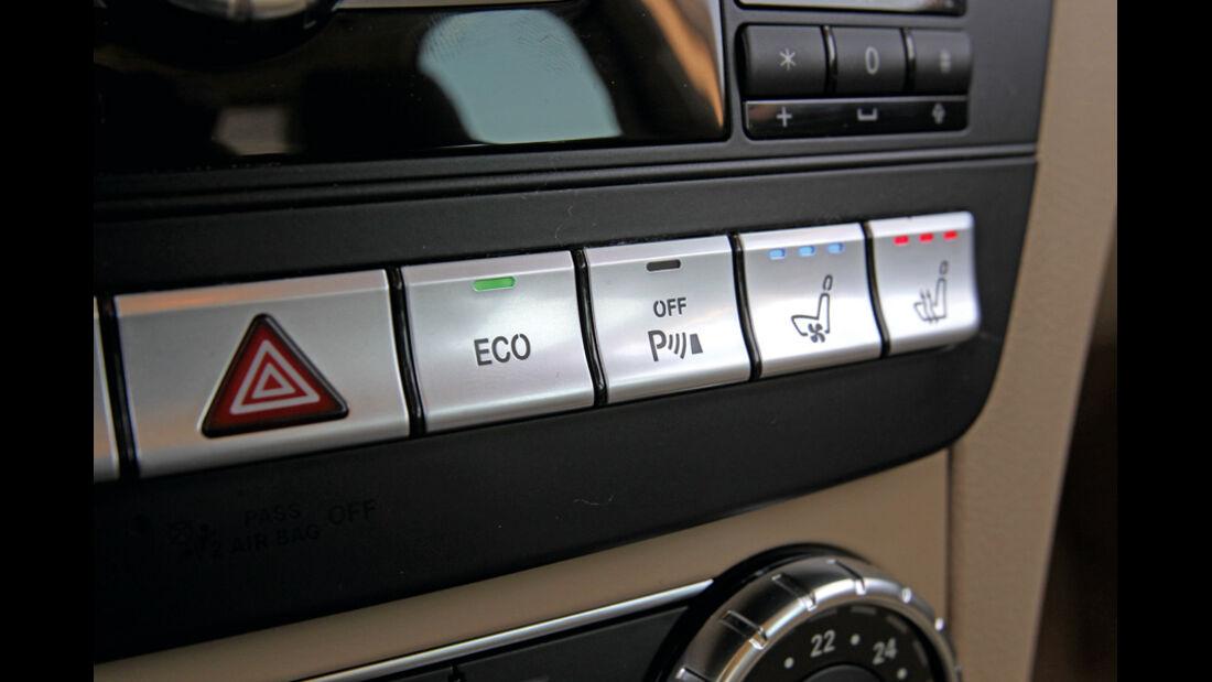 Mercedes 250 CDI, Detail, Steuerknöpfe, Steuerelemente