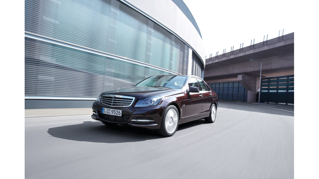 Mercedes 250 CDI, Frontansicht, Stand