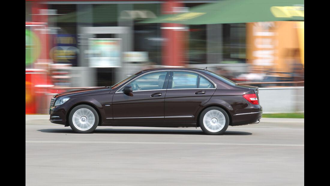 Mercedes 250 CDI, Seitenansicht, Stand