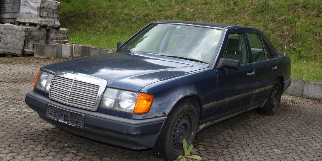 Mercedes 250 D, Seitenansicht