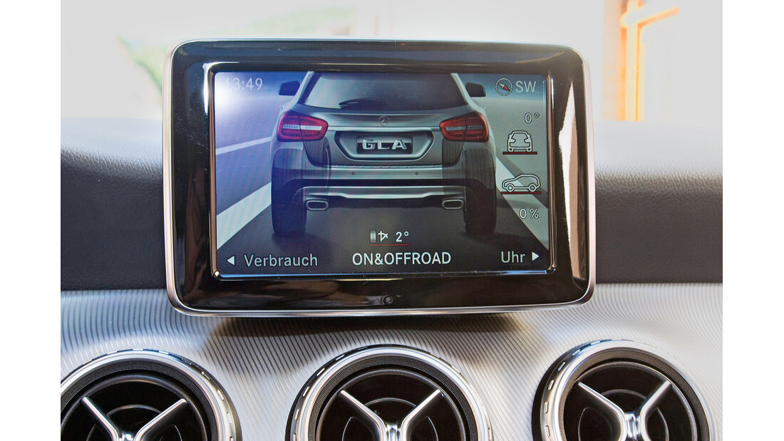 Mercedes 250 GLA 4matic, Display-Anzeige, Rückfahrkamera