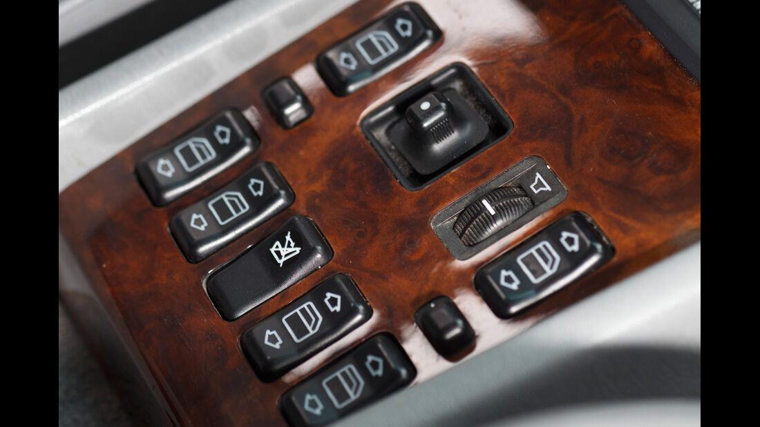 Mercedes 260 E lang, Fensterheber