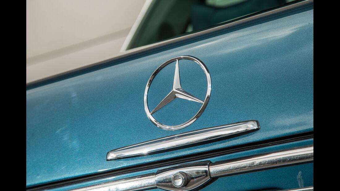 Mercedes 280 SE 3.5, Heck, Dateil