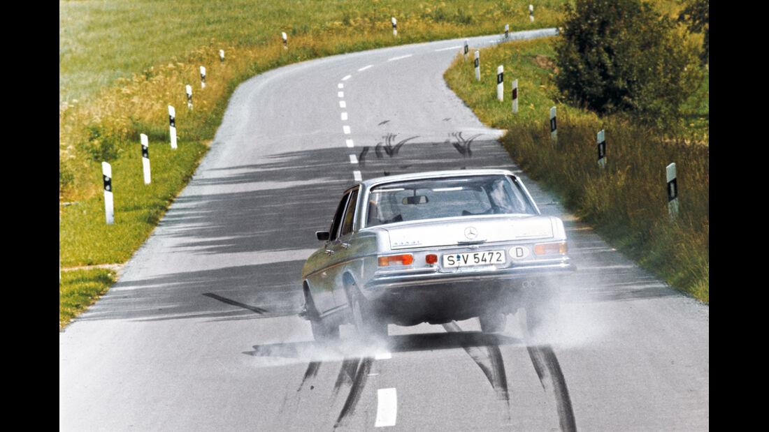 Mercedes 280 SE, Vollbremsung, Bremsspuren