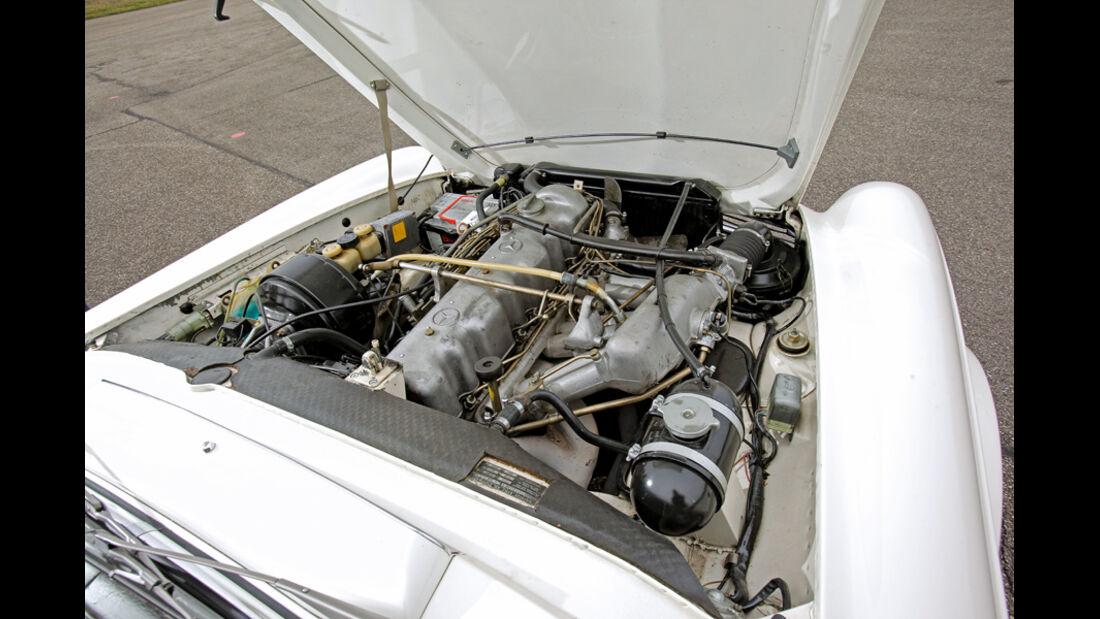 Mercedes 280 SL, Motor
