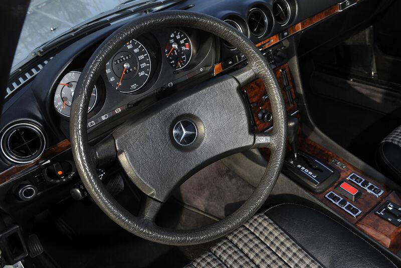 Mercedes 280 SLC, Lenkrad