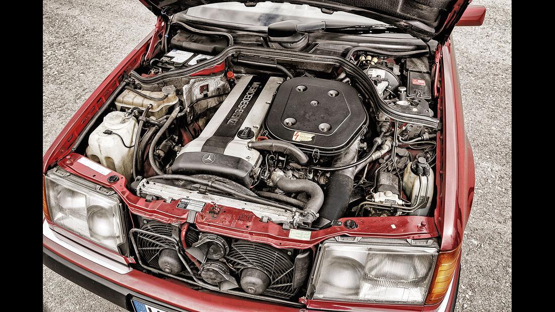 Mercedes 300 CE-24, Motor