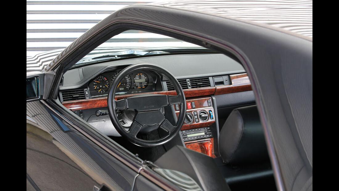 Mercedes 300 CE, Cockpit