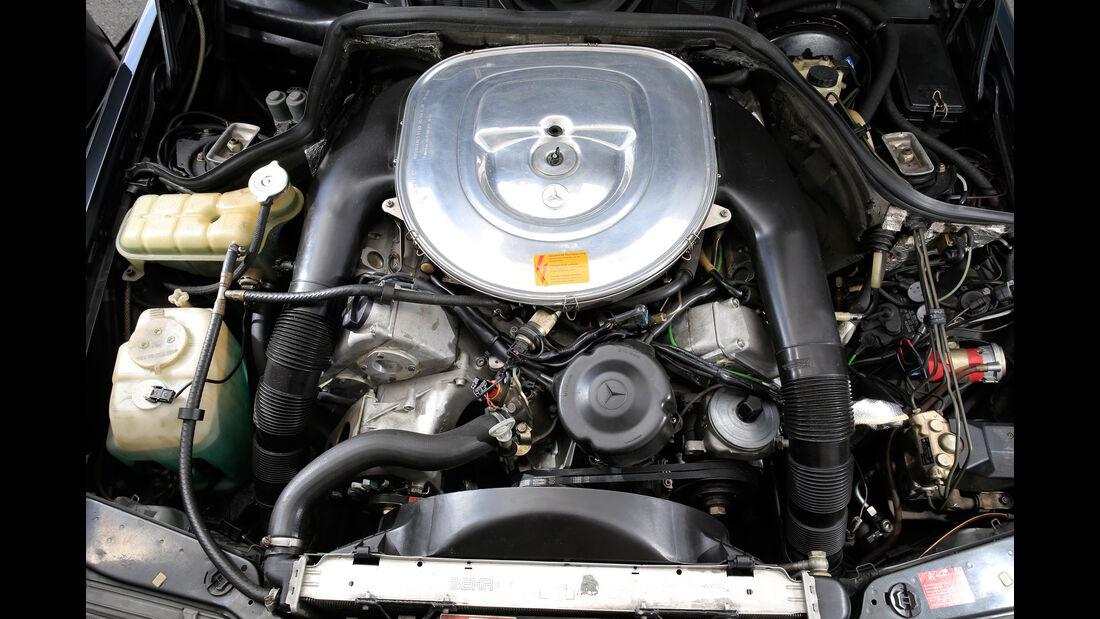 Mercedes 300 CE, Motor