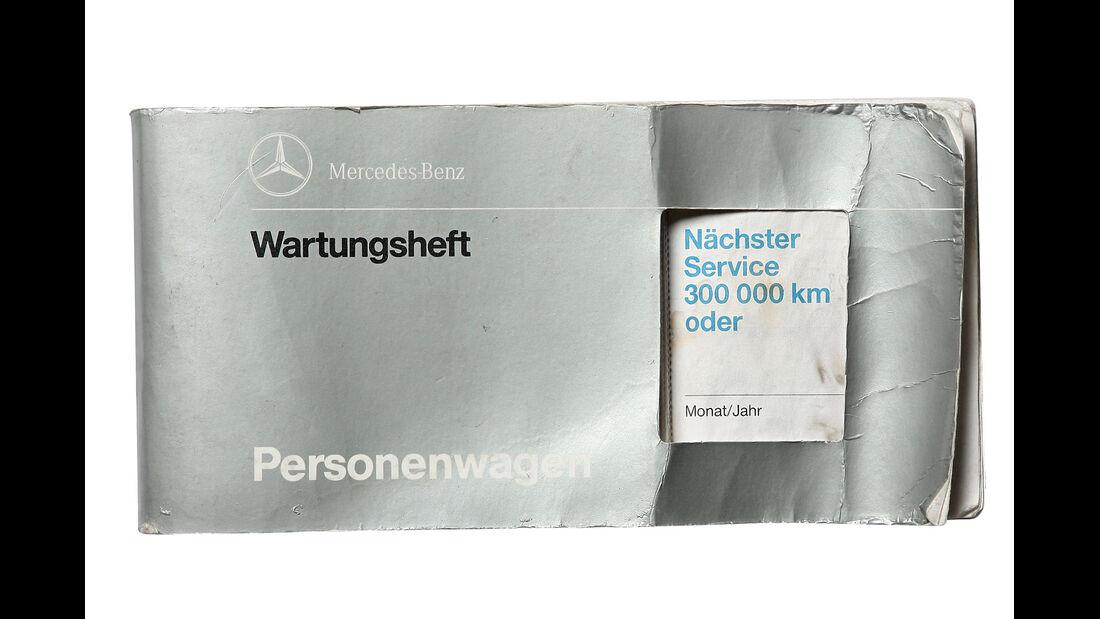 Mercedes 300 D, Wartungsheft, Eintragungen