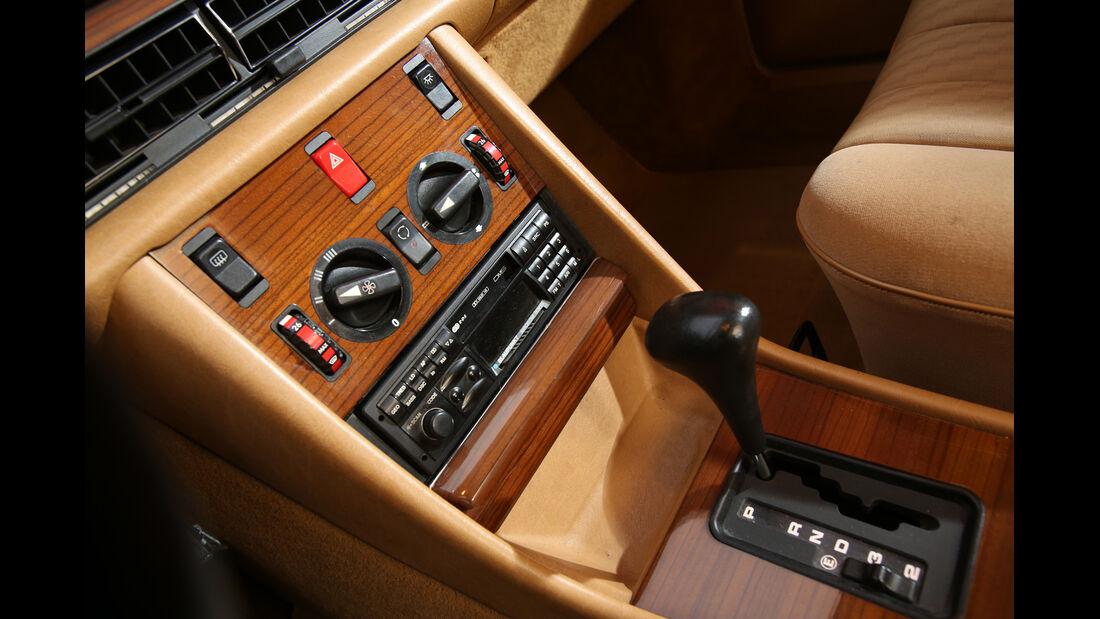 Mercedes 380 SE–560 SEL (W126), Mittelkonsole