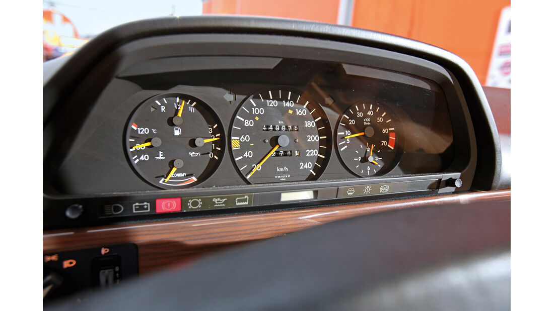 Mercedes 380 SE–560 SEL (W126), Rundinstrumente