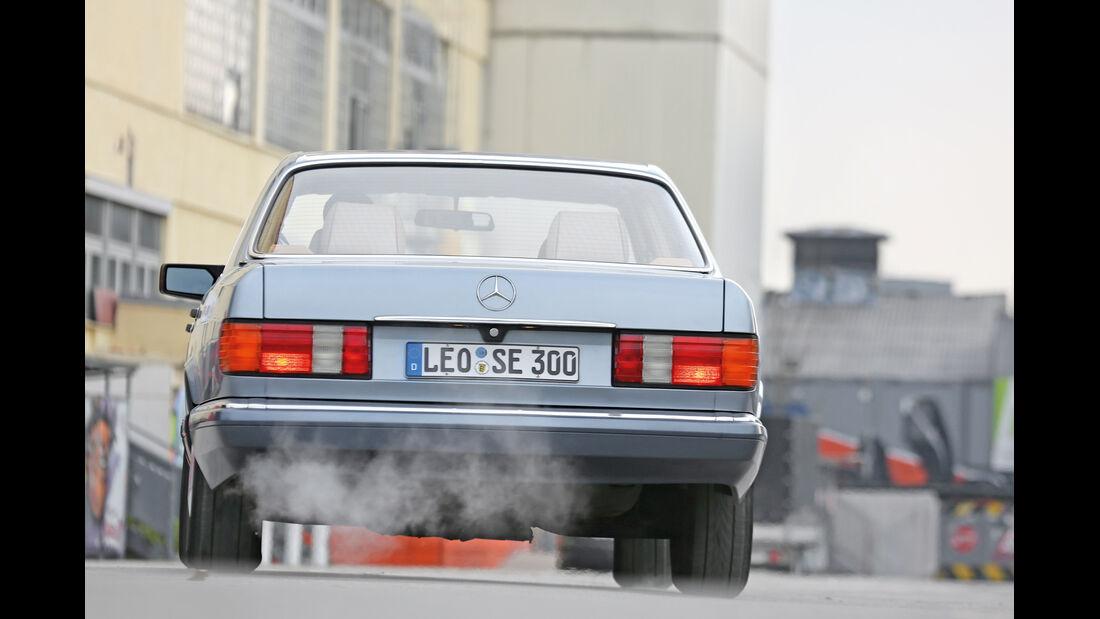 Mercedes 420 SE, Heckansicht, Heckleuchte
