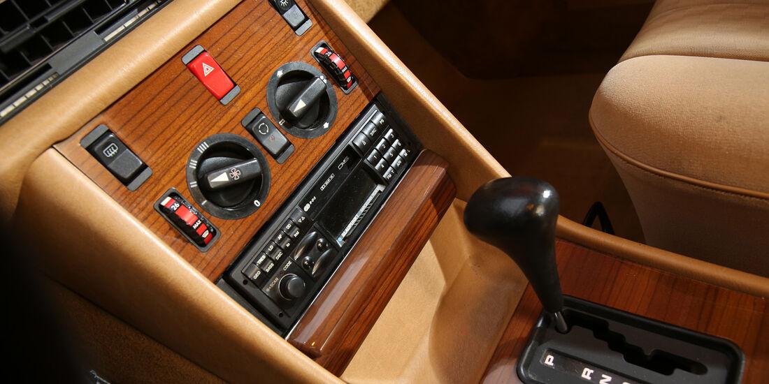 Mercedes 420 SE, Mittelkonsole