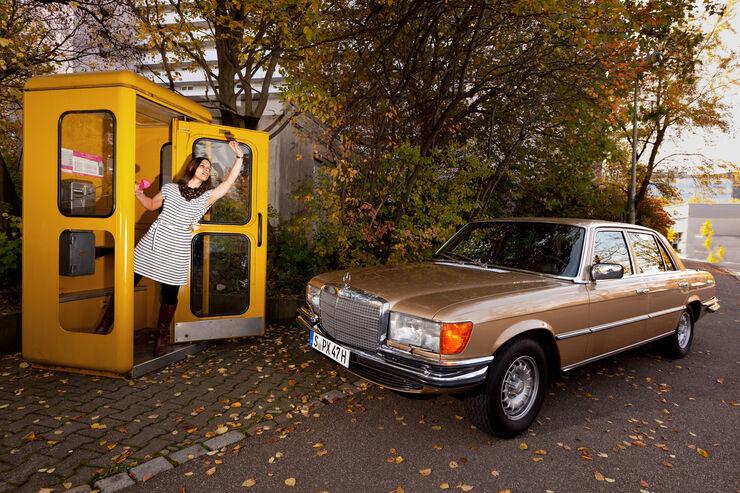 Mercedes 450 SEL 6.9, Frontansicht, Telefonzelle