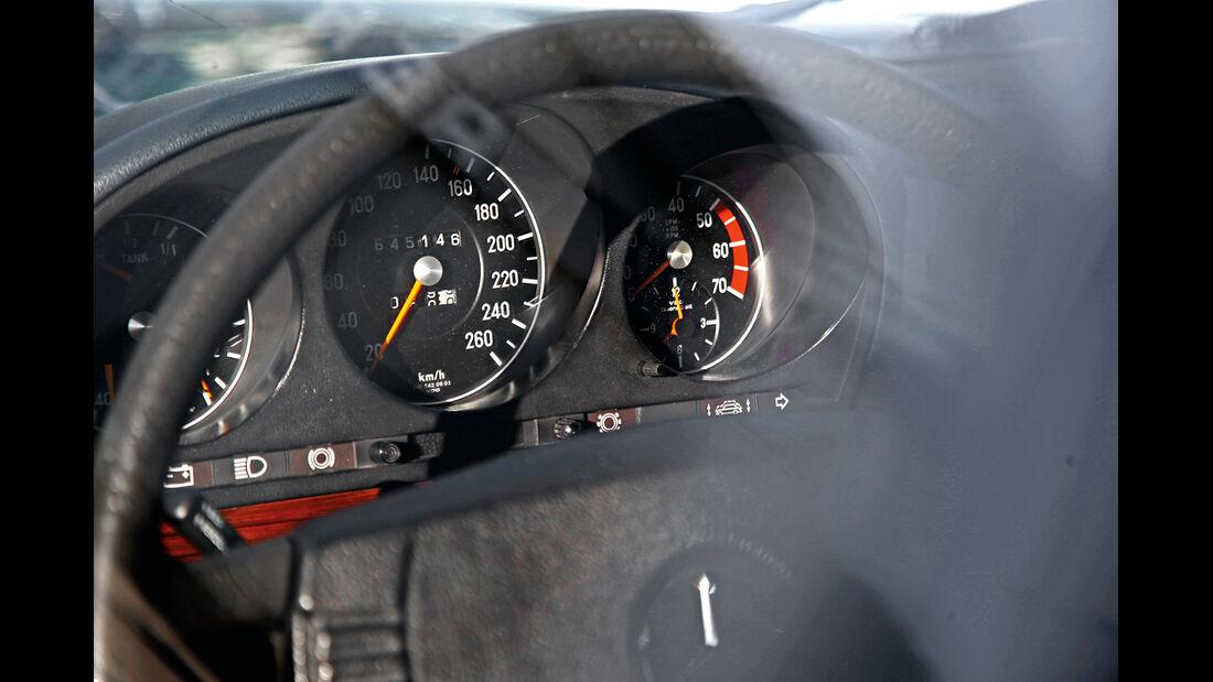 Mercedes 450 SEL 6.9, Rundinstrumente