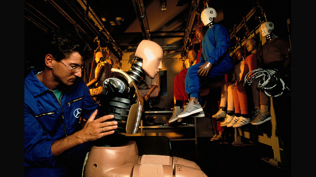 Mercedes: 50 Jahre Crash Test  Dummies