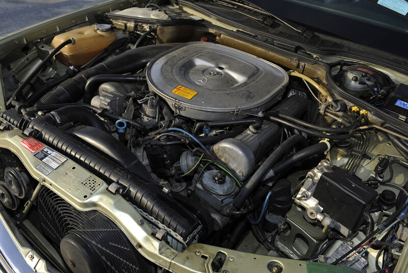 Mercedes 500 SEC, Motor