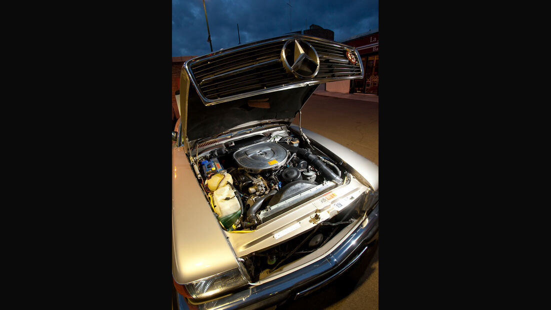 Mercedes 500 SL (R107), Motor