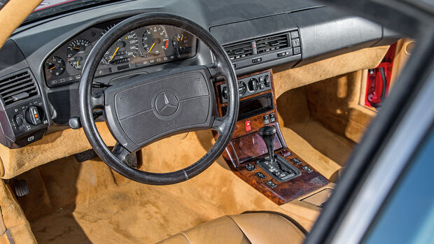 Mercedes 500 SL (R129), Cockpit
