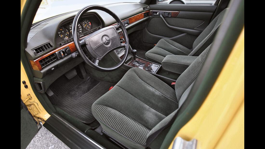 Mercedes 560 SEL, Cockpit