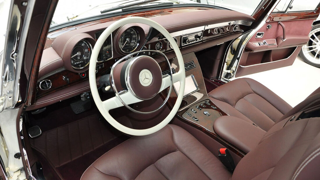 Mercedes 600 Pullman mit Maybach-Innenleben