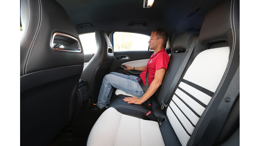 Mercedes A 180, Rücksitz, Beinfreiheit