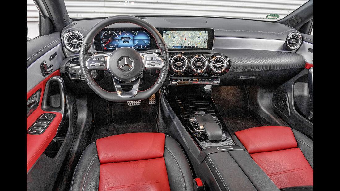 Mercedes A 200 7 G-DCT, Interieur