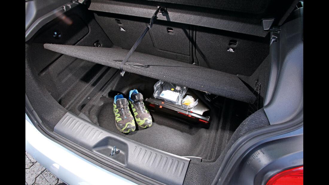 Mercedes A 200 CDI AMG Sport, Ladeboden