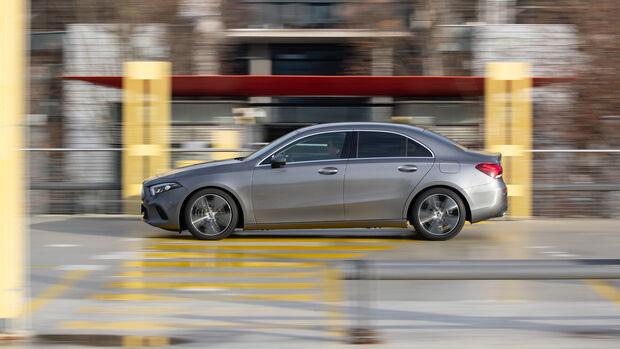 Mercedes A 200 d Limousine Progressive, Exterieur