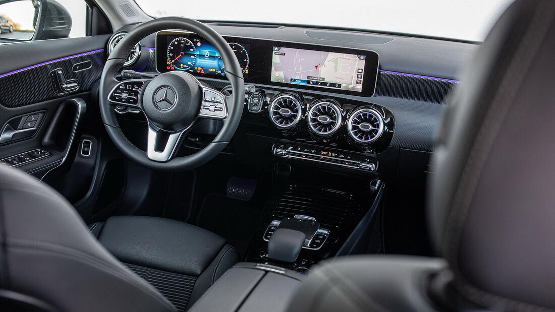 Mercedes A 200 d Limousine Progressive, Interieur