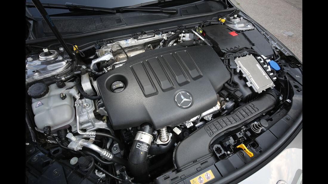 Mercedes A 200 d, Motorraum