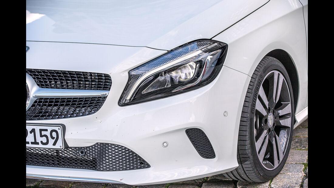 Mercedes A 220 d, Frontscheinwerfer
