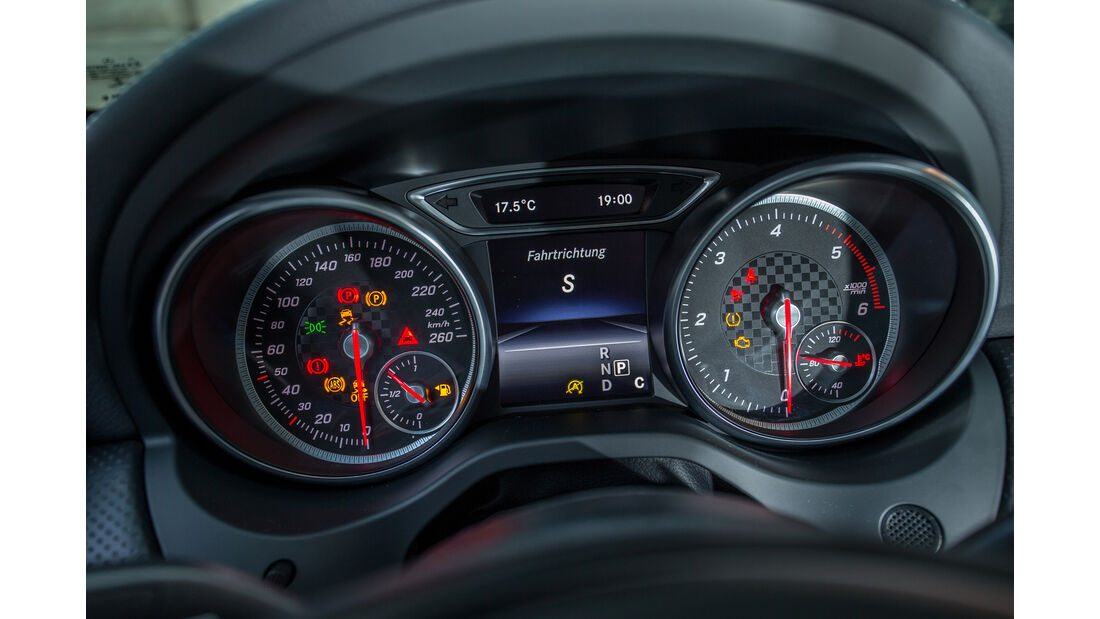 Mercedes A 220 d, Rundinstrumente