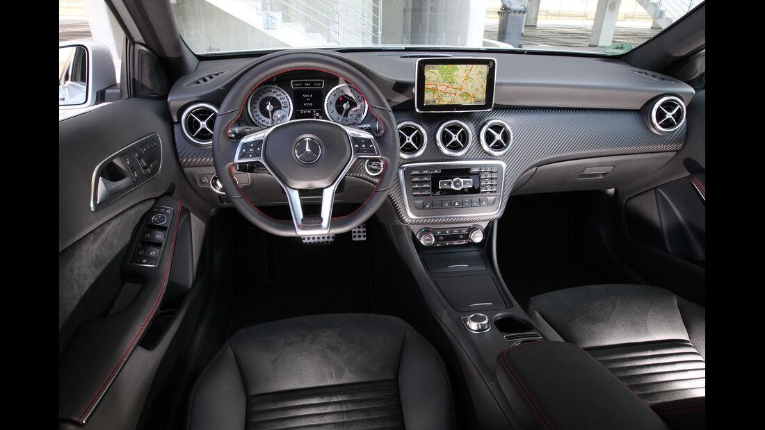 Mercedes A 250, Cockpit, Lenkrad