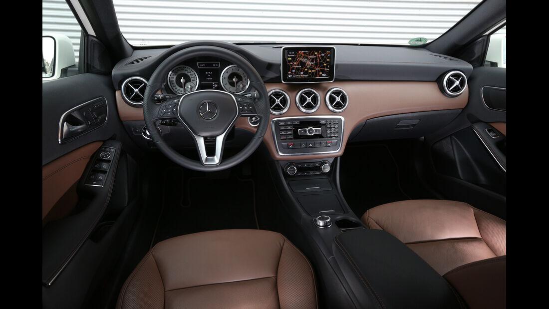 Mercedes A 250, Mercedes A 220 CDI, Cockpit