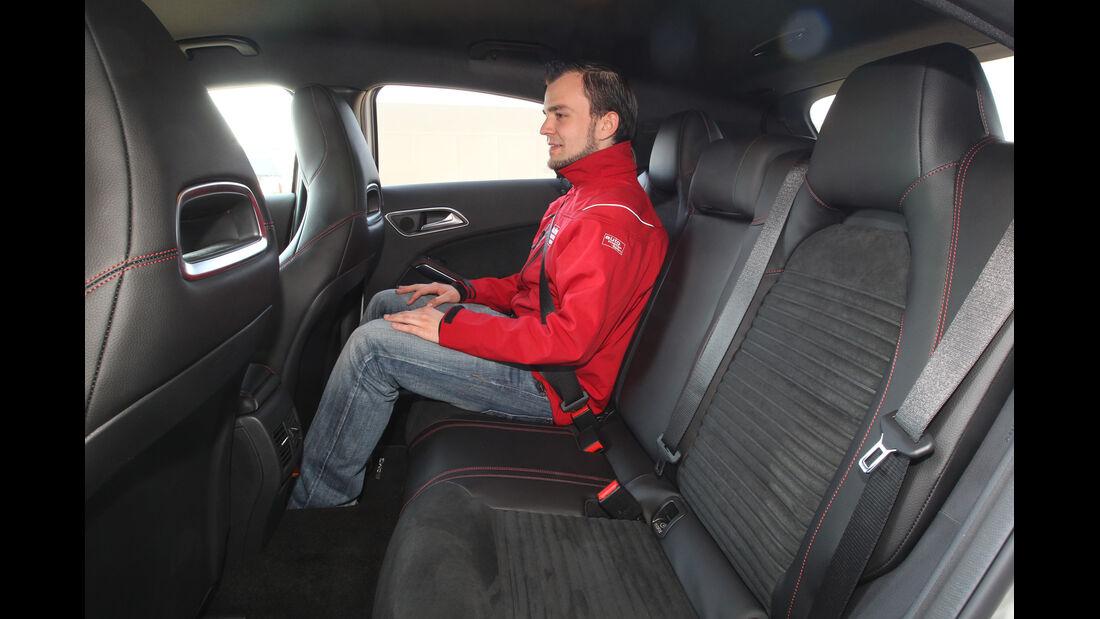 Mercedes A 250, Rücksitz, Beinfreiheit