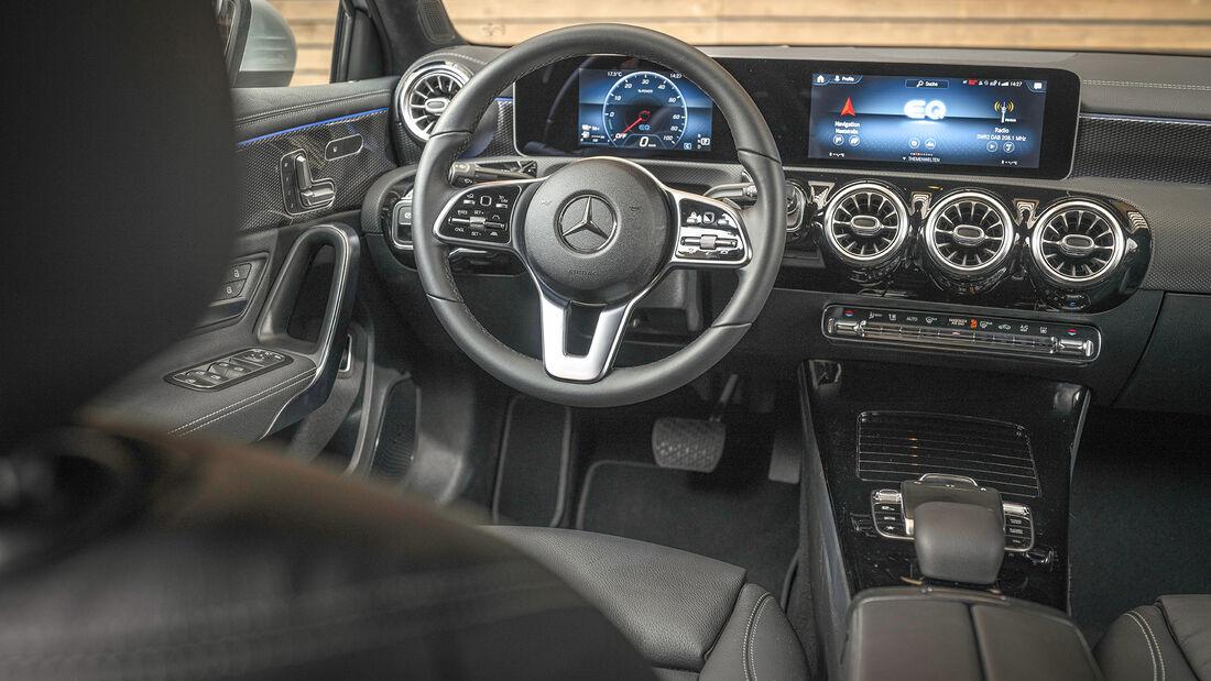 Mercedes A 250 e, Interieur
