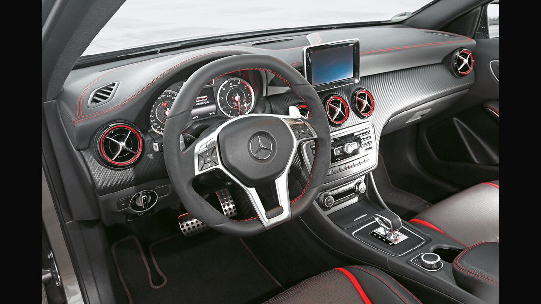 Mercedes A 45 AMG, Cockpit